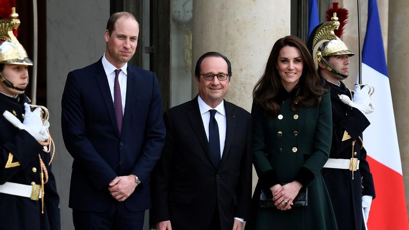 Le président François Hollande aux côtés du Prince William et de Kate Middleton.