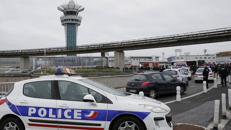 Tous les terminaux rouverts (aéroport) — Attaque d'Orly