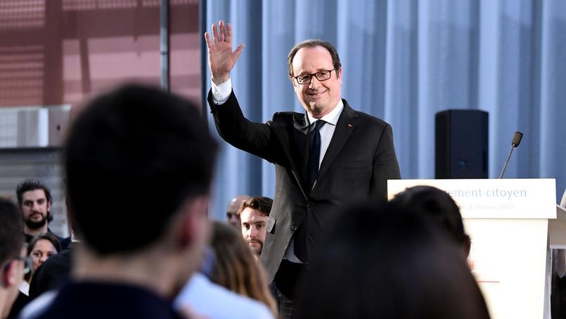 Le président de la République, samedi à Crolles, dans l'Isère