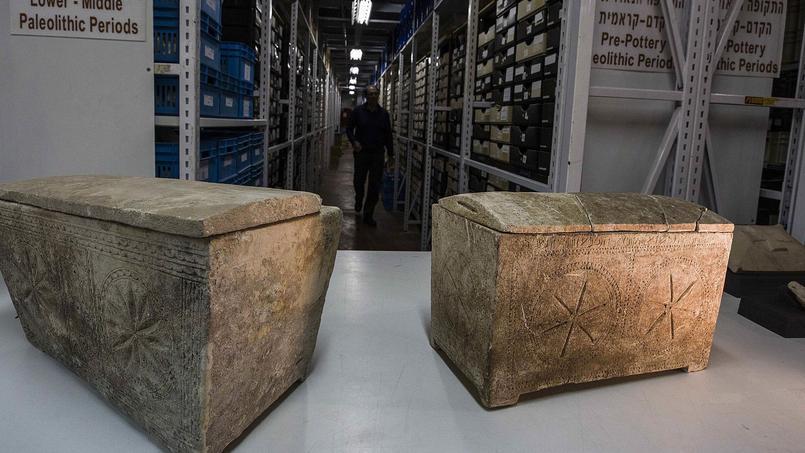 Ustensiles de cuisine, bijoux, ossuaires avec des inscriptions hébraïques... Des dizaines d'objets datant du Ier siècle découverts en Galilée permettent aux historiens de mieux comprendre la vie au temps de Jésus-Christ.