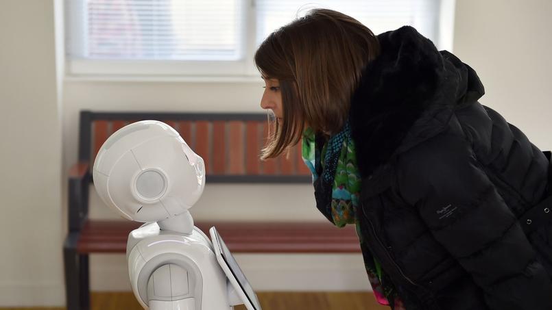 Pepper, un robot équipé d'un logiciel d'intelligence artificielle développé par la société Aldebaran, rachetée en 2012 par le japonais Softbank.