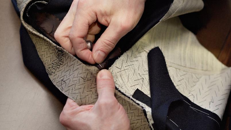 Les vêtements d'Ermenegildo Zegna sont façonnés à la main dans la plus pure tradition.