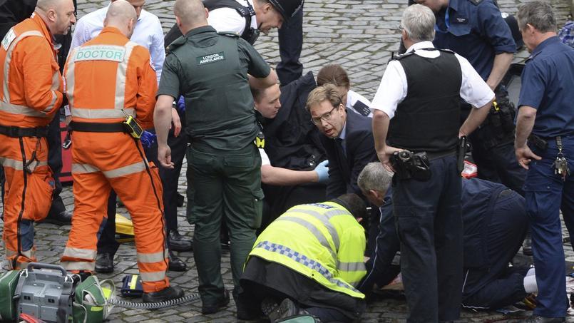 Le député Tobias Ellwood devenu héros — Attaque à Londres