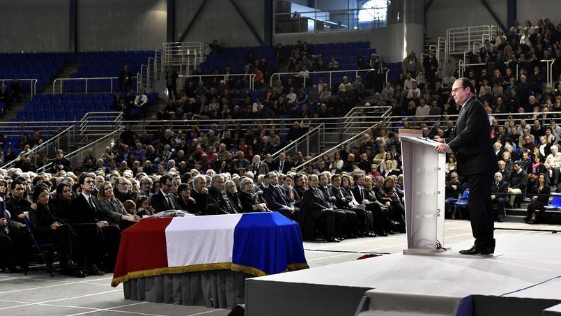 François Hollande à l'«hommage républicain» de Henri Emmanuelli le 25 mars 2017 à Mont-de-Marsan.