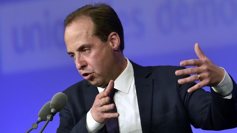 Michel Mercier prêt à convaincre de nouveaux sénateurs à rejoindre Emmanuel Macron