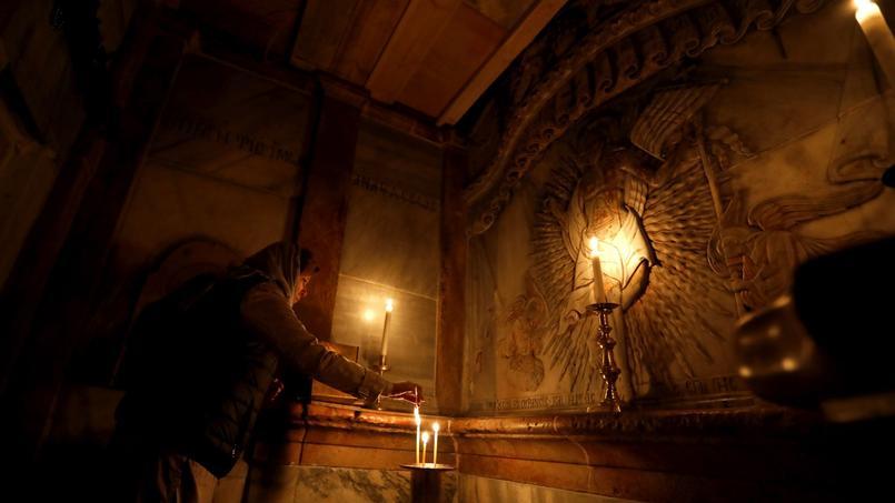 «La tombe du Christ est une tombe vivante», assure Antonia Maro, qui a supervisé la restauration de la sépulture sacrée. Elle raconte que ses appareils à résonance électromagnétique sont tombés en panne durant ses travaux.