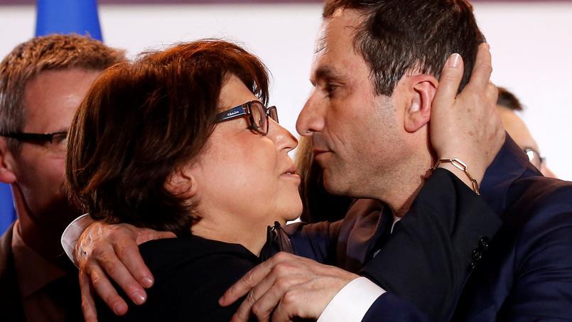 Voter Macron par défaut ? Hamon dénonce
