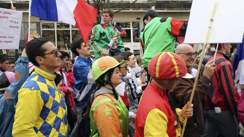 Manifestation des professionnels de la filière hippique, mercredi à Paris.