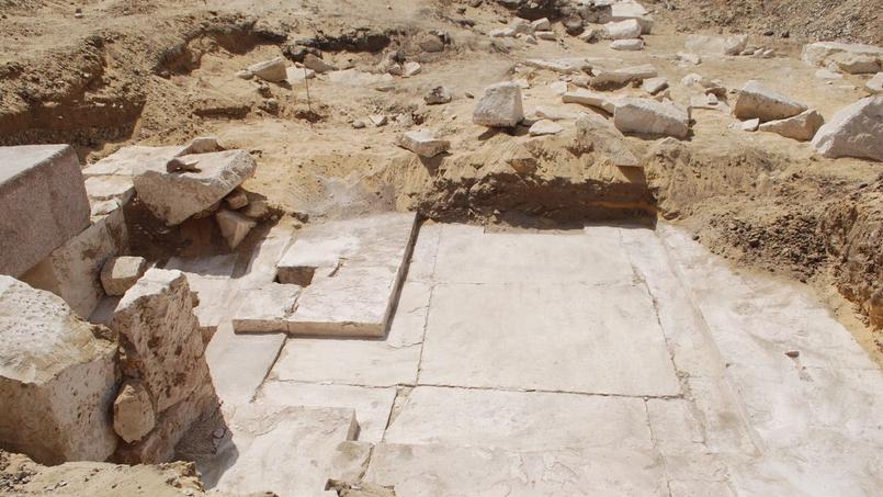 Découverte de vestiges d'une pyramide vieille de 3700 ans — Egypte