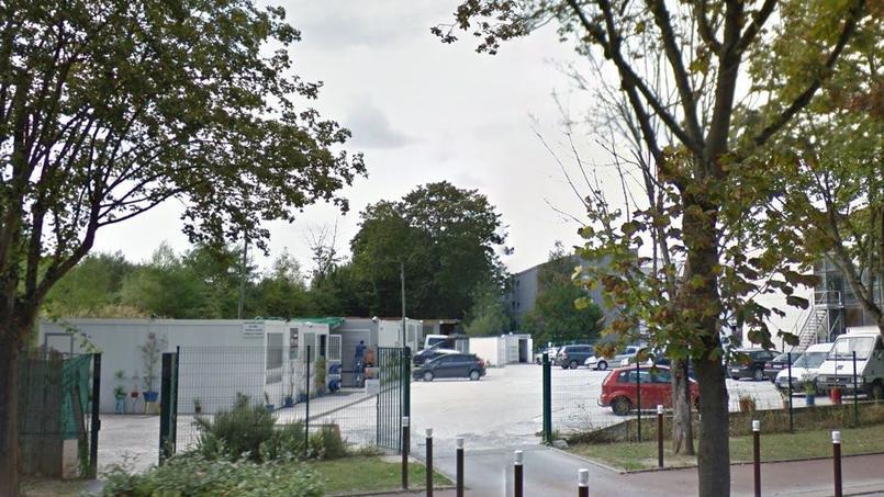 Le 19 septembre 2012, un attentat visait une épicerie casher de Sarcelles, faisant un blessé léger.