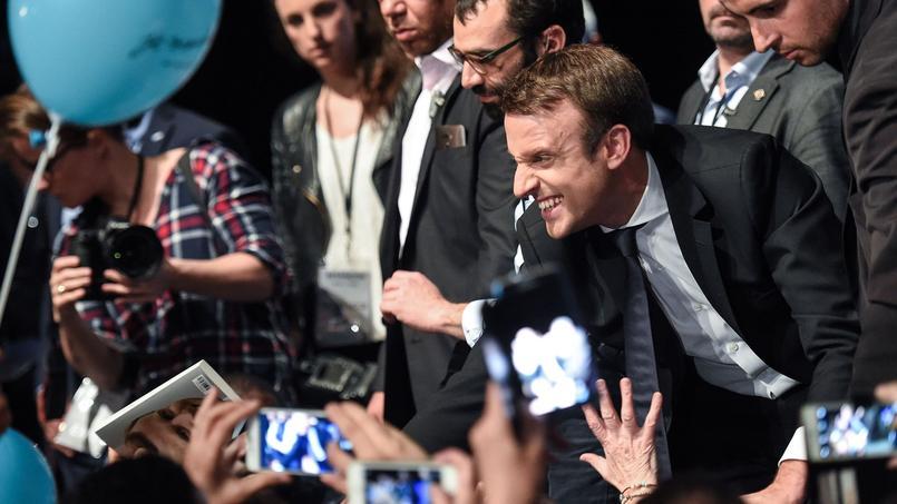 Emmanuel Macron, le 11 avril à la fin de son meeting à Besançon.