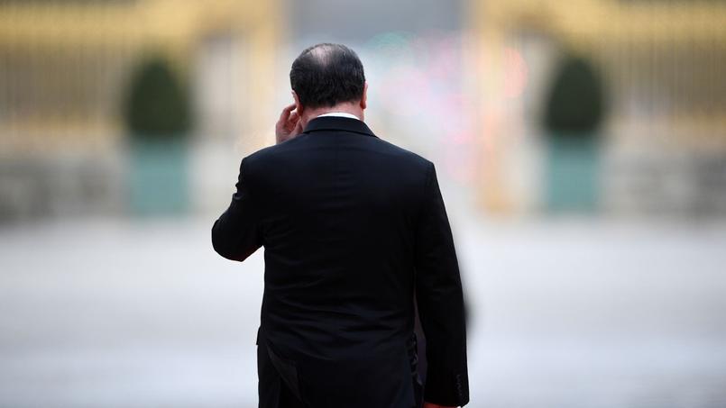 Hollande rompt le silence et met en garde contre Mélenchon — Présidentielle