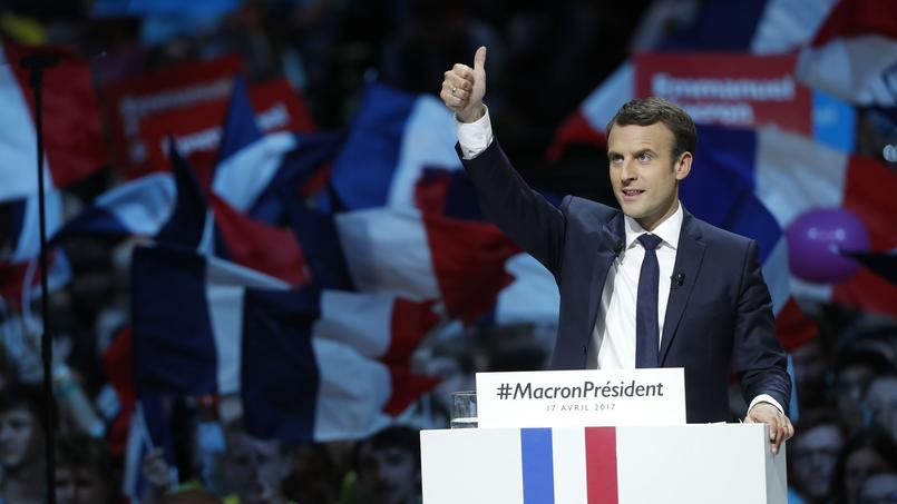 À une semaine du premier tour, Emmanuel Macron a réuni près de 20.000 personnes, lundi à Bercy.