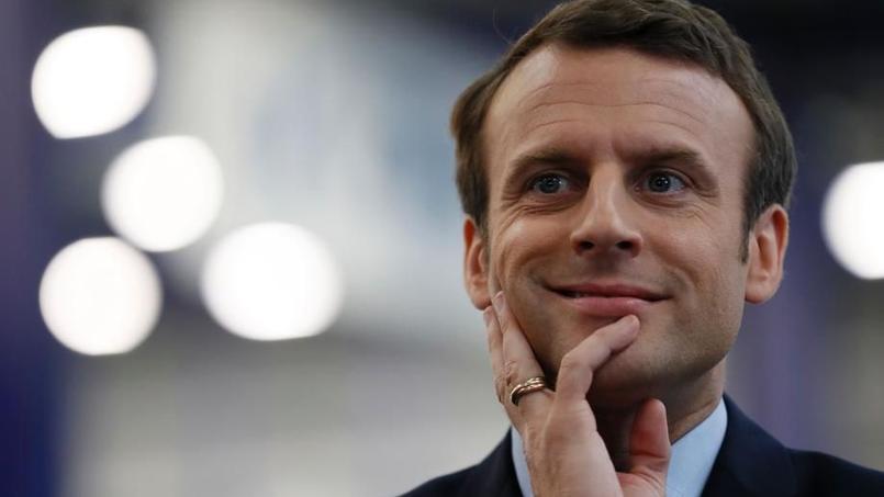 Emmanuel Macron, le choix des mots pour effacer les faits