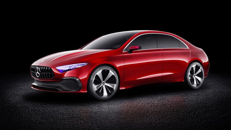 Le Concept A Berline hérite de la calandre de la supersportive AMG-GT.