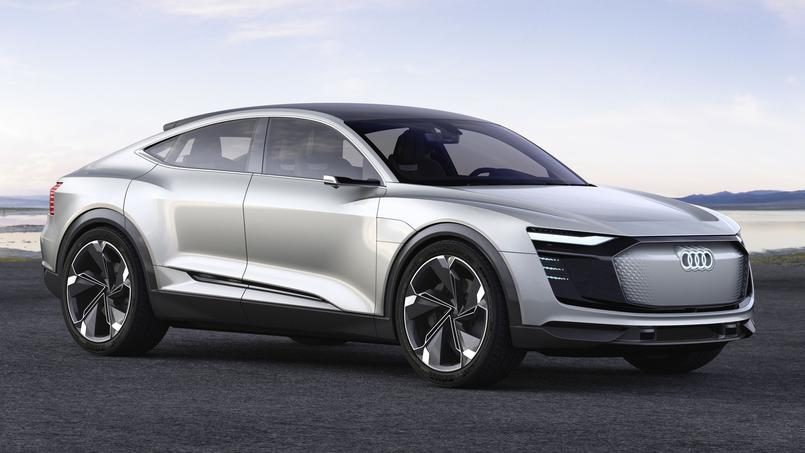 Le e-tron Sportback Concept fait partie du club des SUV Coupés.