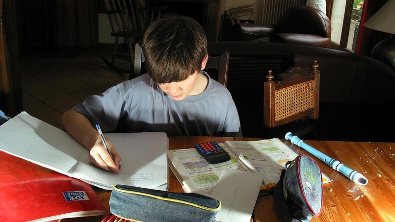 Officiellement, les devoirs écrits doivent être proscrits ou fortement limités.