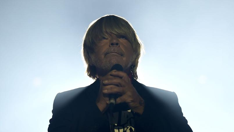 Renaud à son concert du Printemps de Bourges semblait affaiblit mais était porté par ses fans.