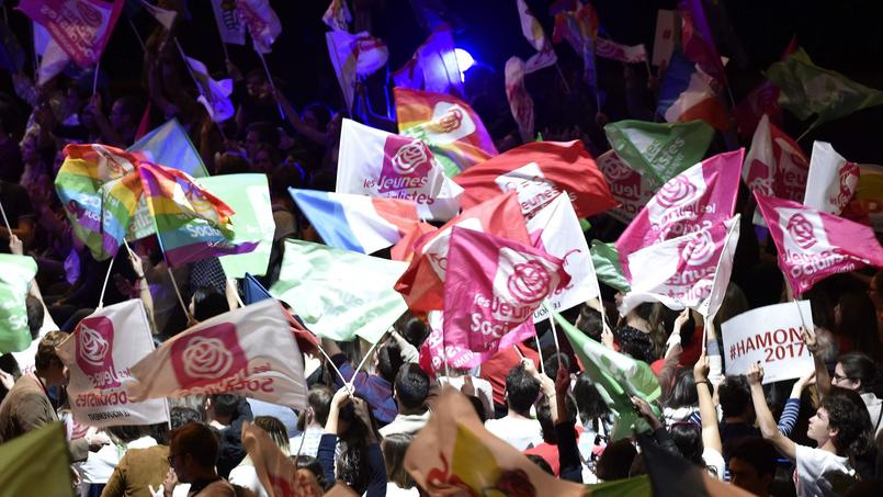 Des partisans de Benoît Hamon lors du meeting du candidat socialiste hier soir à Toulouse.