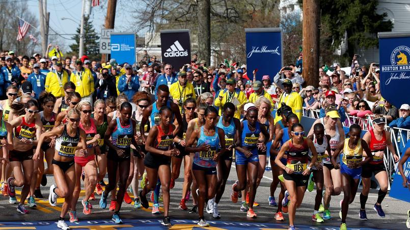 Les participantess au départ du marathon de Boston