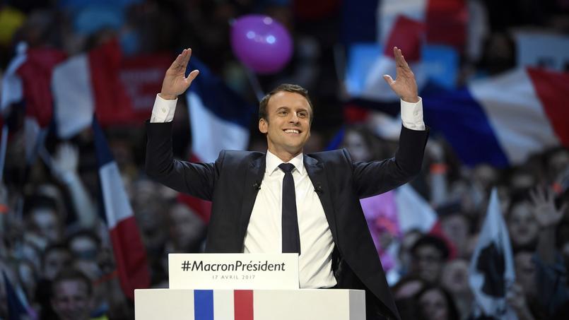 Emmanuel Macron allume le feu lors de ses discours.