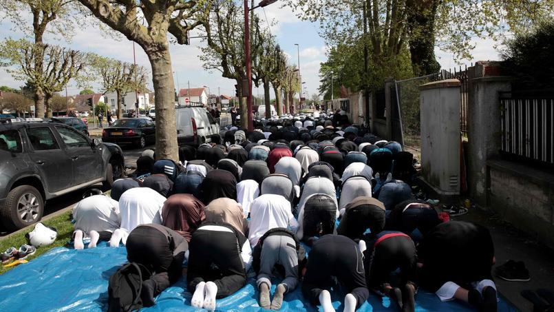 Prière de rue à Montfermeil