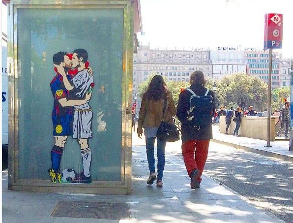 L'oeuvre de Tvboy à Barcelone, place de la Catalogne