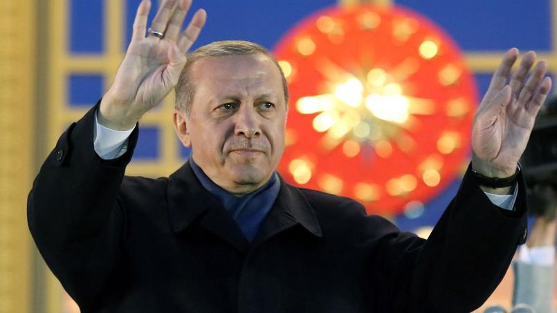 Référendum en Turquie: «Erdogan, la revanche des conservateurs islamistes»