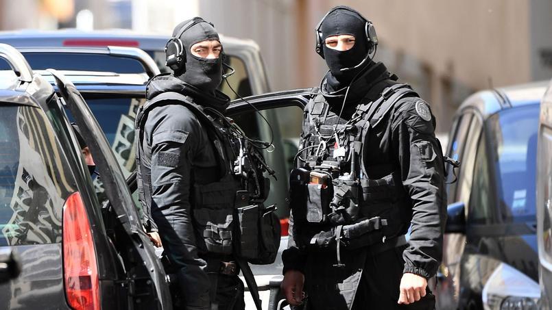 Attentat déjoué: les deux suspects arrêtés à Marseille présentés à la justice