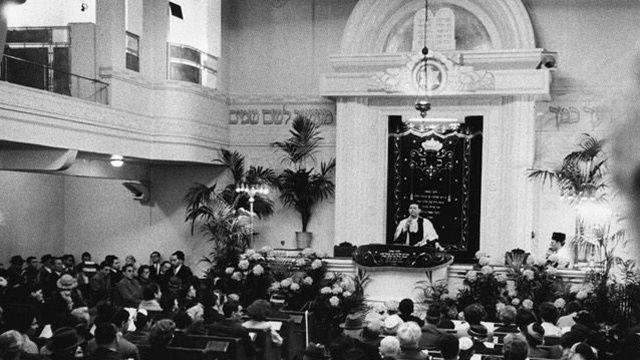 Un projet de refonte complète de la synagogue de la rue Copernic, à Paris, suscite l'opposition d'une association qui a lancé une pétition.