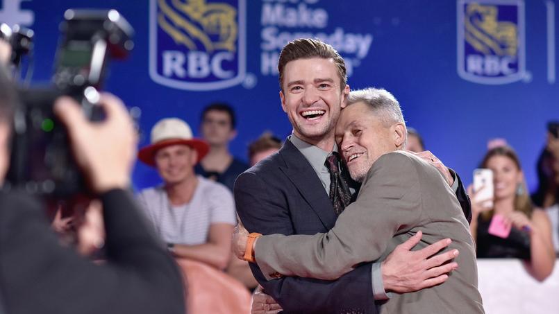 Jonathan Demme et Justin Timberlake dans un moment complice face au photographe au 41e festival de Toronto , le 13 Septembre 2016.