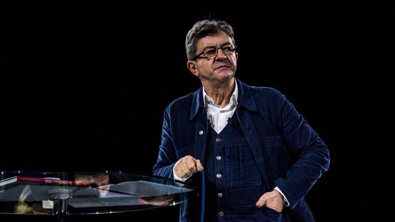 Jean-Luc Mélenchon, lors d'une réunion publique, le 26 mars, à Rennes.