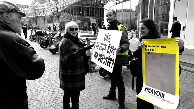 Une campagne de sensibilisation à Ma Voix dans la rue.