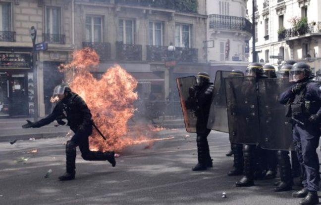 Six policiers ont été blessés, dont deux grièvement, en marge de la manifestation du 1er mai à Paris.