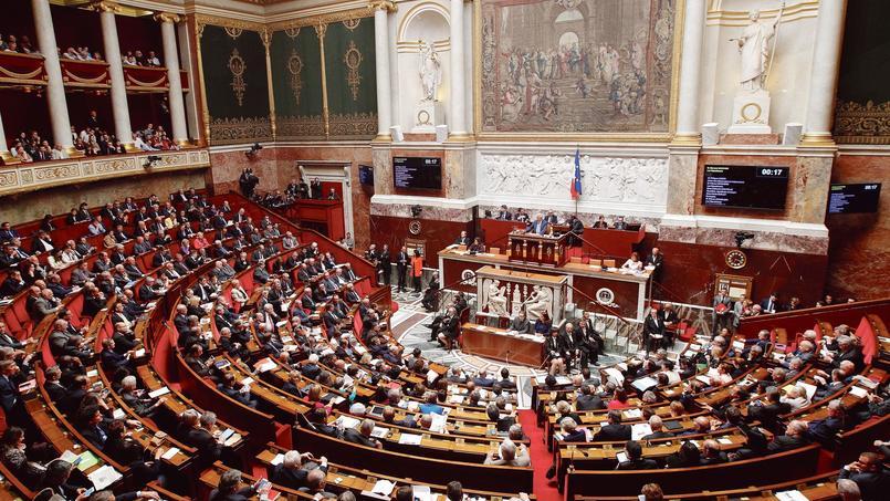 Pour Emmanuelle Macron, cette «dose de proportionnelle» permettrait de mieux refléter «le pluralisme de notre vie politique».