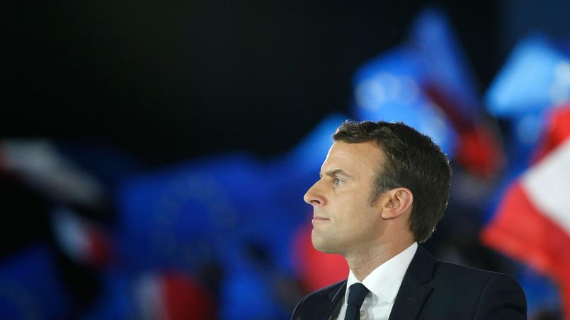 Elysée: la passation de pouvoirs avec Macron aura lieu dimanche (Hollande)