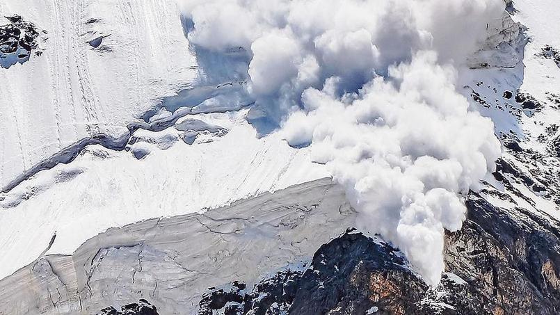 Trois morts dans une avalanche en Savoie