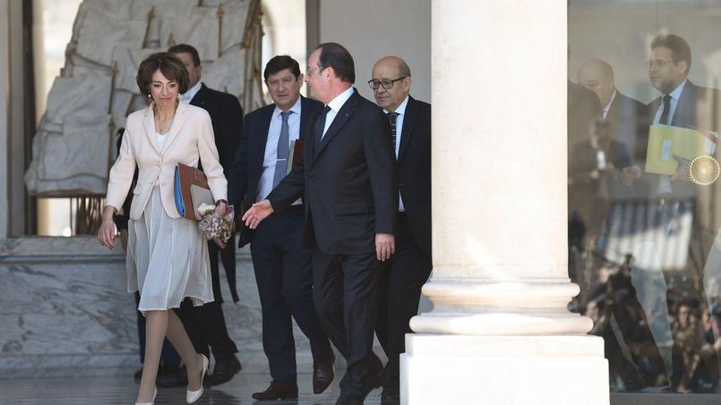 Dernier Conseil des ministres pour François Hollande et le gouvernement