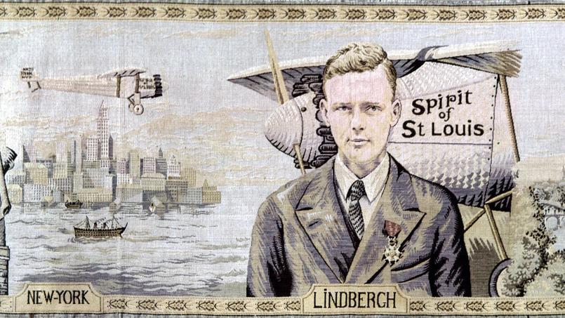 Tapisserie d'un artiste anonyme français de 1927 figurant l'aviateur américain Charles Lindbergh et son avion «Spirit of Saint Louis».