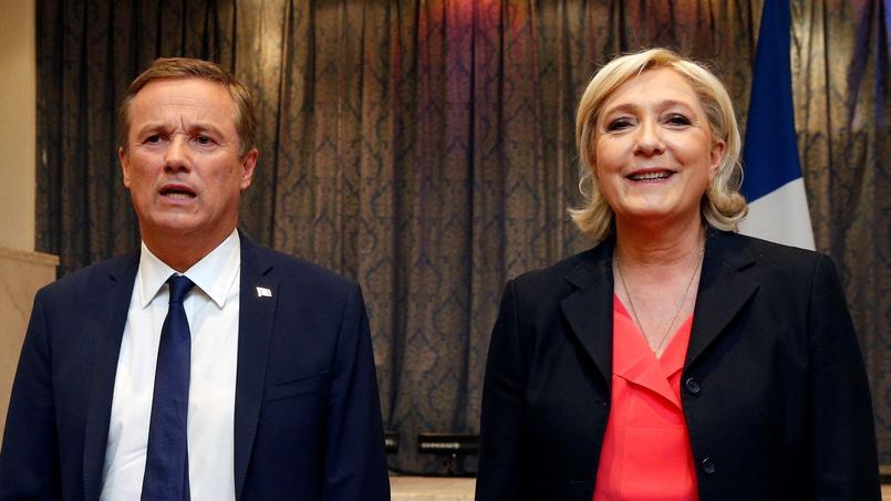 Nicolas Dupont-Aignan et Marine Le Pen.