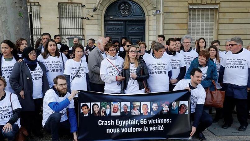 Crash d'Egyptair : les familles réunies à Paris pour dénoncer l'attitude de l'Égypte