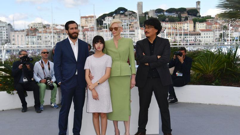 Jake Gyllenhaal, Seo-hyun, Tilda Swinton et leur réalisateur Bong Joon-ho. Malgré le scandale Netflix, «l'irrésistible fable vegan» du cinéaste coréen Bong Joon-ho a emballé le cœur des critiques et cinéphiles.