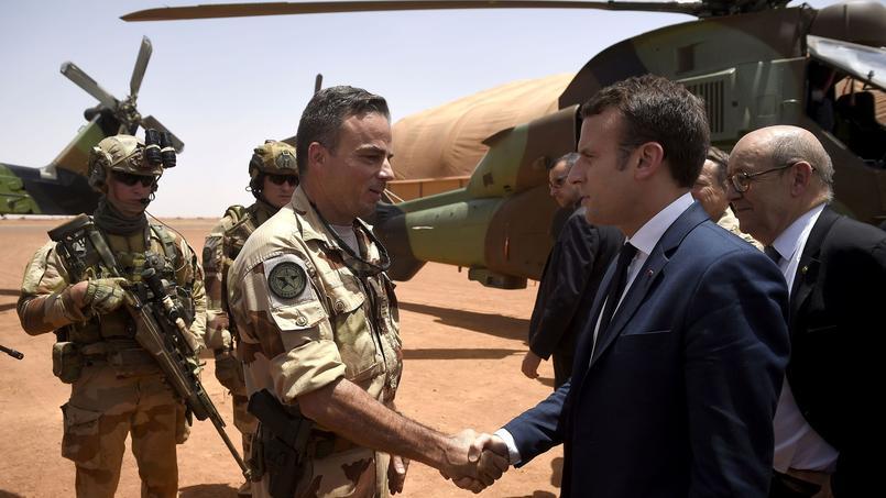 Le nouveau président, Emmanuel Macron, s'est rendu pour son premier voyage hors de l'Europe, au Mali.