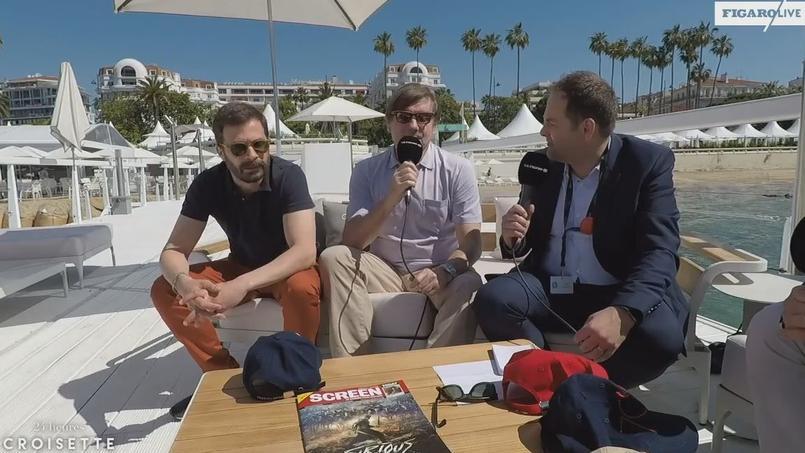 Étienne Sorin, Éric Neuhoff et François Aubel sur le ponton de la plage du Majestic.