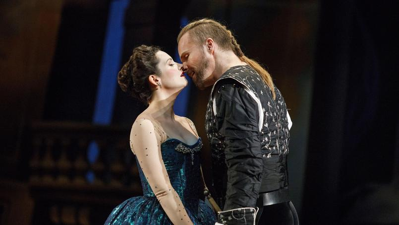 La soprano Peggy Kriha Dye incarne Médée face au Jason de Colin Ainsworth.