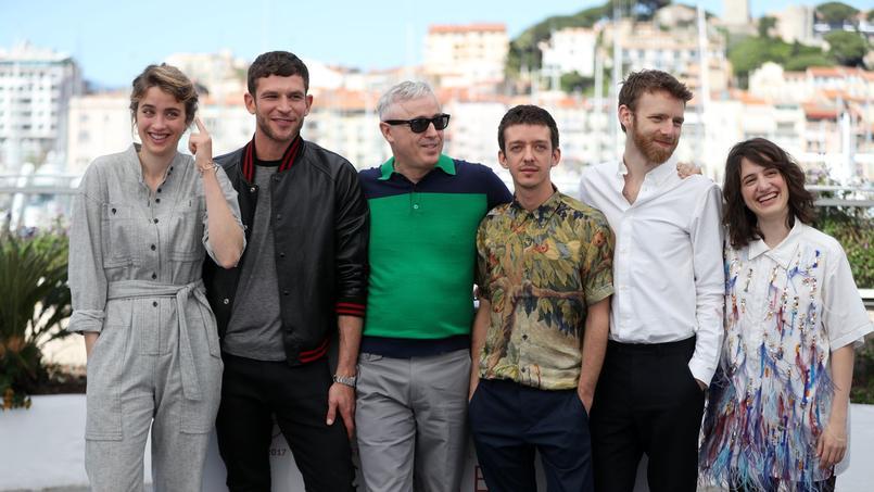 Les acteurs du film (de gauche à droite) Adèle Haenel, Arnaud Valois, le réalisateur Robin Campillo, Nahuel Perez Biscayart, Antoine Reinartz et Aloise Sauvage.