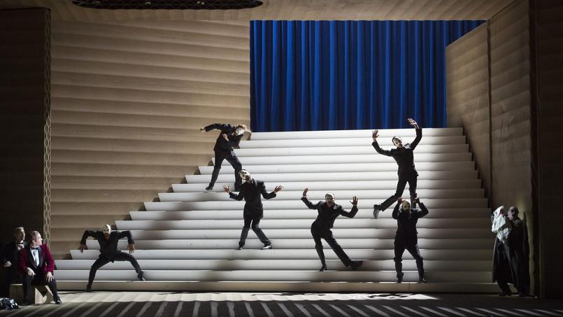 Très théâtrale, laproduction de Rigoletto signée Claus Guth prendlecontrepied de la partition.