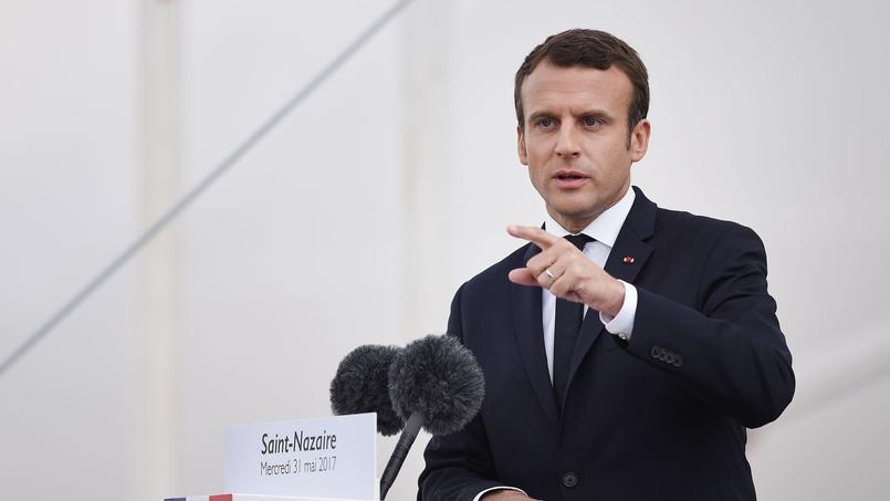 Emmanuel Macron lors de sa visite des chantiers STX de Saint-Nazaire.