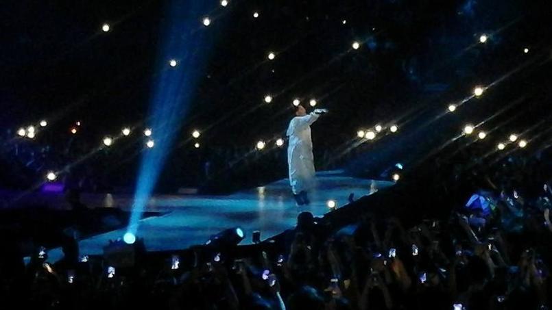 La chanteuse remercie le public français — Ariana Grande