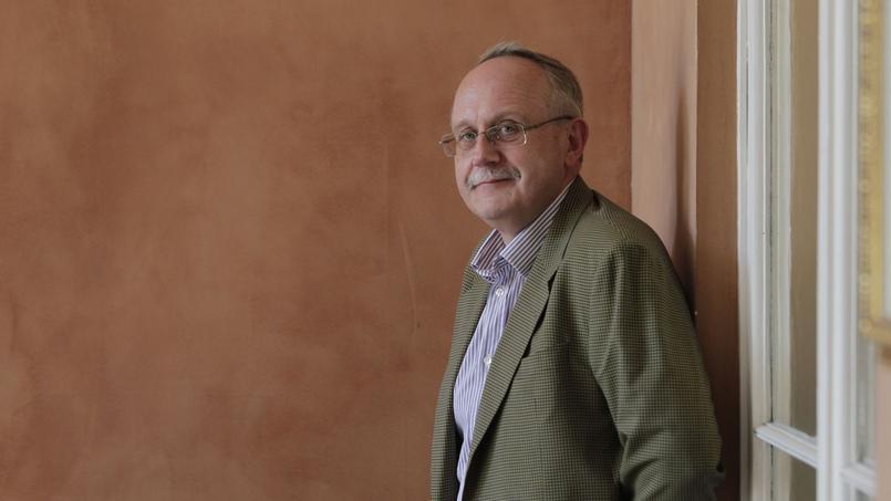Luc Rouban : « Derrière l'illusion du renouvellement, on se dirige vers une Assemblée élitiste»